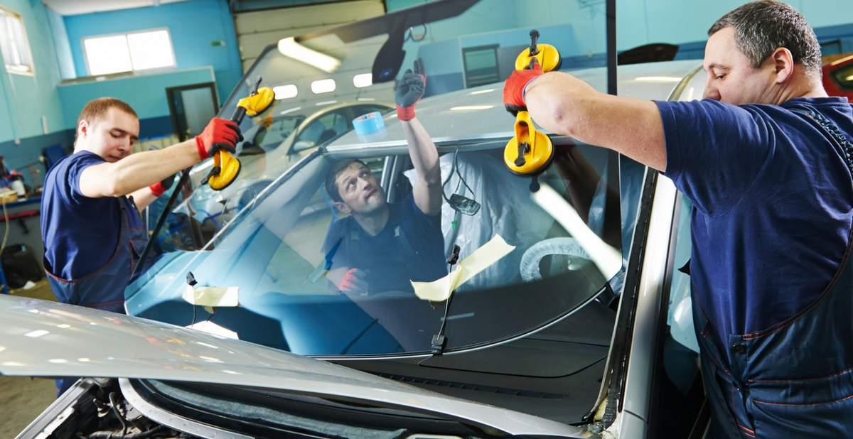 Установка стекла на автомобиль
